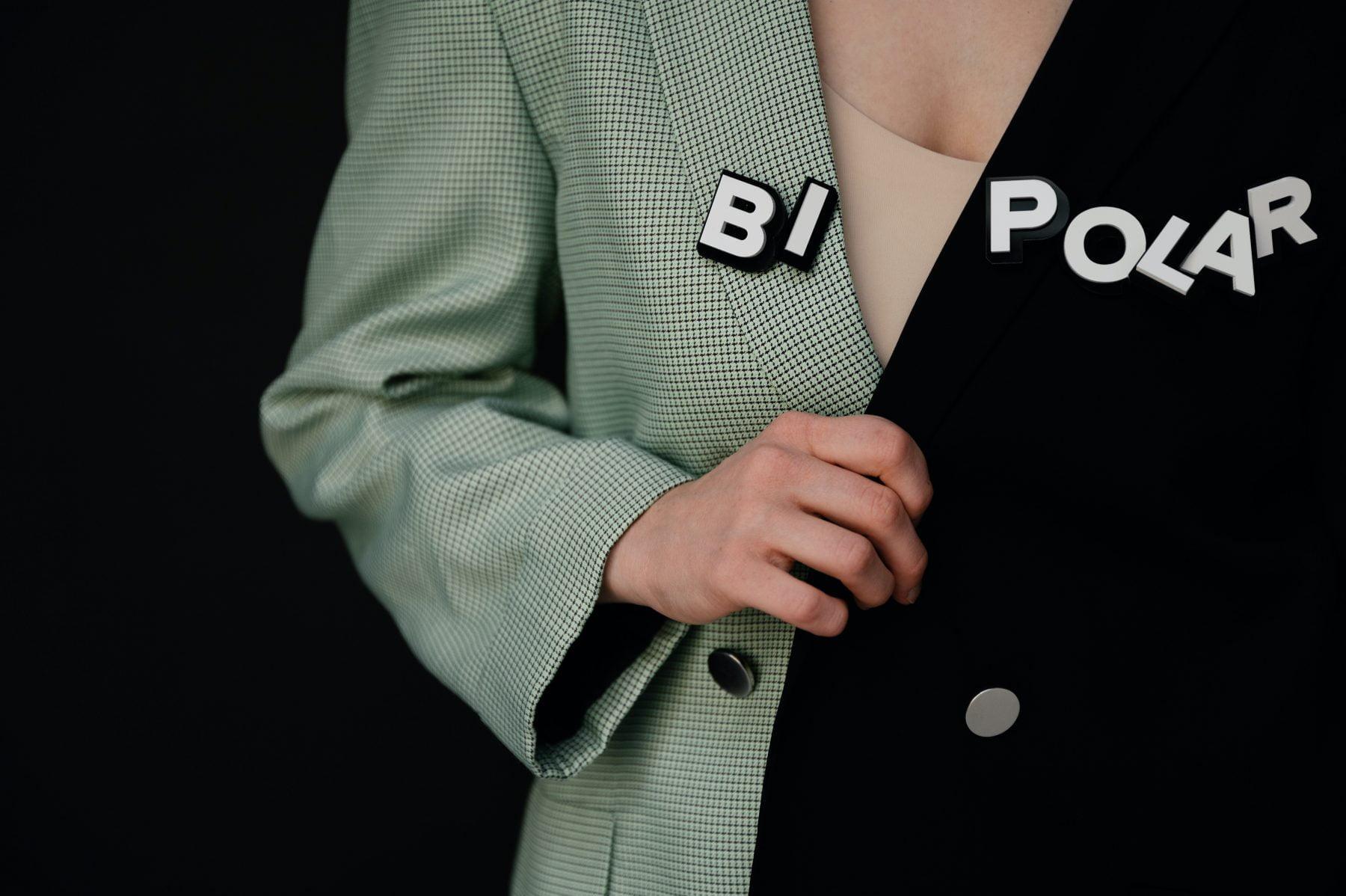 Bild einer Jacke mit bipolarem Dinkel darauf.